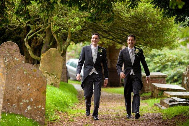 Devon Wedding Photography Berry Pomeroy Castle (9)