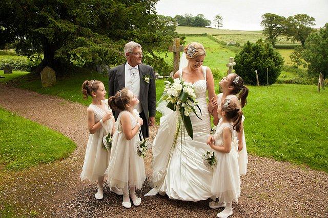 Devon Wedding Photography Berry Pomeroy Castle (15)
