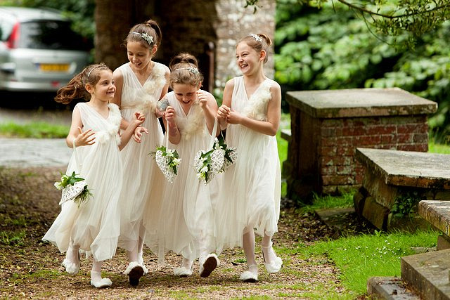 Devon Wedding Photography Berry Pomeroy Castle (26)