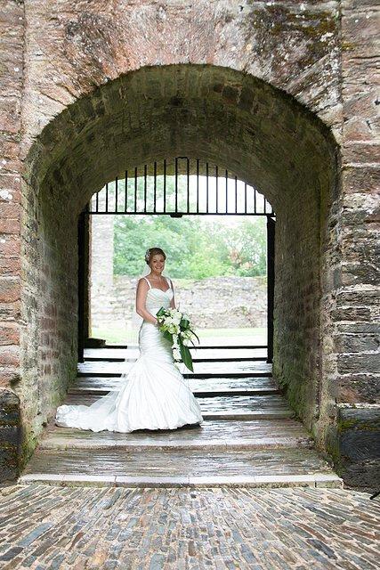 Devon Wedding Photography Berry Pomeroy Castle (29)