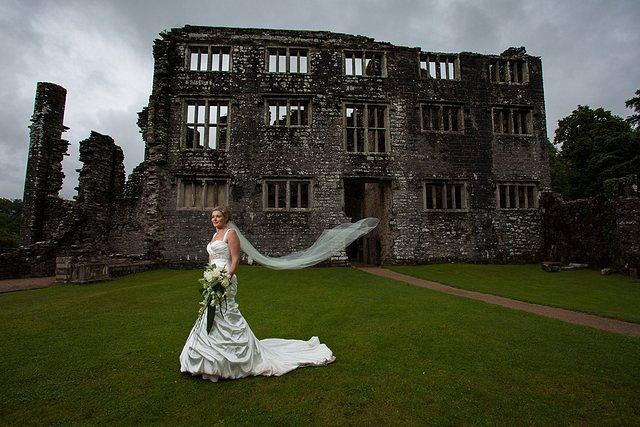 Devon Wedding Photography Berry Pomeroy Castle (31)